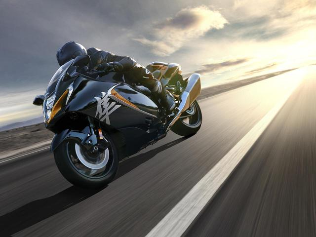 画像1: 【新車】日本仕様発表! スズキ新型『隼(ハヤブサ)』の価格は段階的に215万6000円から!? 発売日は4月です! - スズキのバイク!