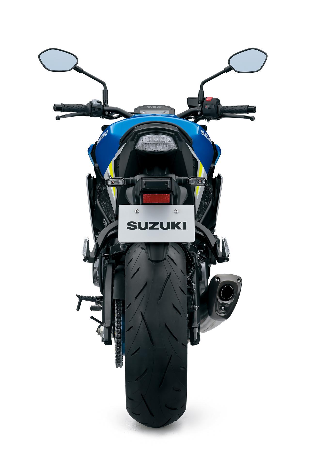 """Images : 2番目の画像 - 「【新型公開】スズキ『GSX-S1000』に衝撃! デザインの""""兵器感""""がハンパじゃない!?【SUZUKI GSX-S1000(2021)/スタイリング編】」のアルバム - スズキのバイク!- 新車情報や最新ニュースをお届けします"""