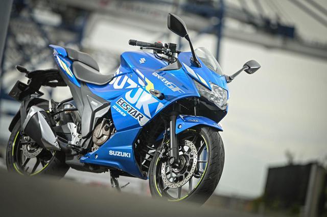 画像: 『絶対性能』よりも『乗りやすさ&実用性』を重視! ジクサーSF250は「300kmツーリングで疲れずに帰って来られる」250ccスポーツバイク - スズキのバイク!