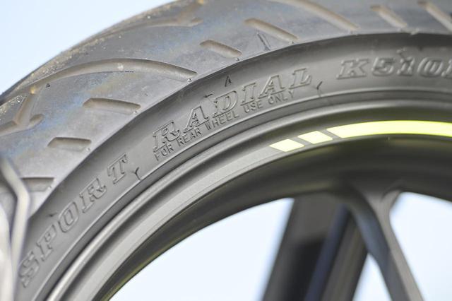 画像: リアタイヤはダンロップ製「SPORT RADIAL K510B」