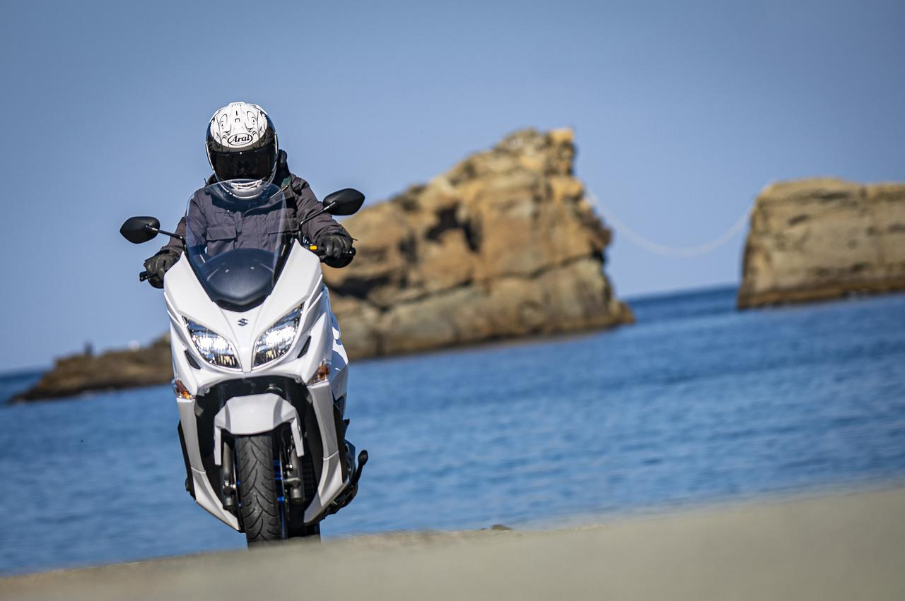 画像: 400cc以下のバイクでツーリング・エキスパートを目指すなら『バーグマン400』は選択肢のひとつになる - スズキのバイク!