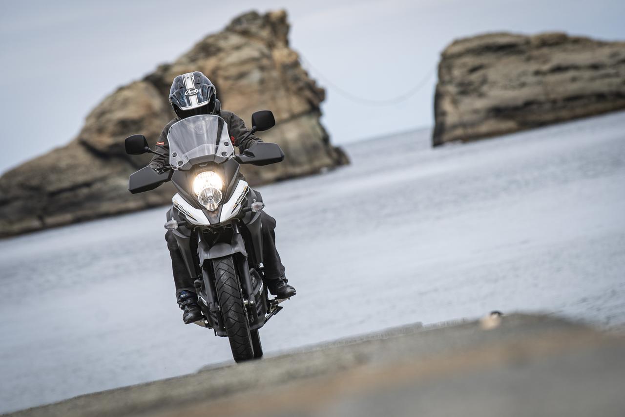 画像1: Vストローム650XTは奇跡のバランス感を持つ大型バイク