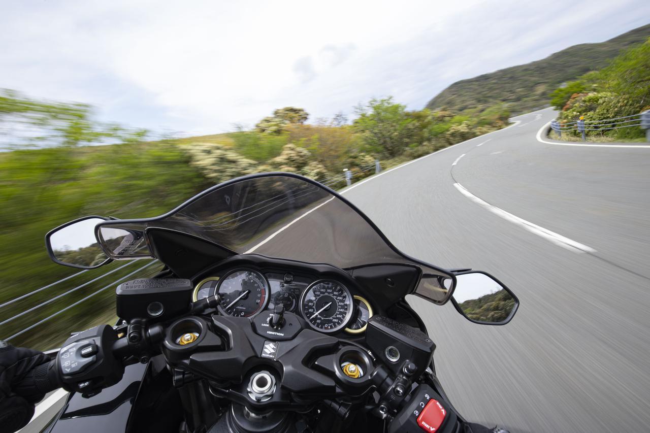 画像: 新型『隼』はコーナリングで大きく進化! 190馬力の大型バイクとは思えない!? - スズキのバイク!