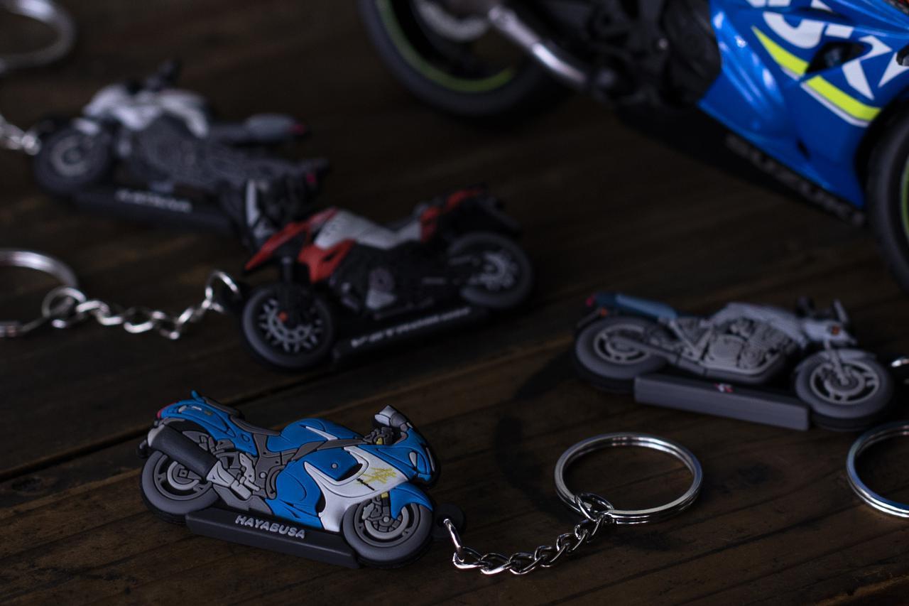 画像: 隼やGSX-S1000シリーズ、Vストロームなど6種類! 自分へのプレゼントに愛車とお揃いの『キーホルダー』はいかが?- スズキのバイク!