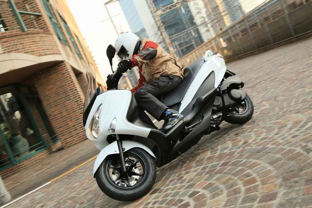 画像: 150ccより、200ccスクーター『バーグマン200』をおすすめしたくなる2つの〇〇とは? - スズキのバイク!