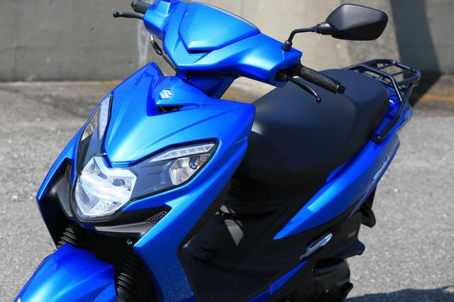 """画像: 原付二種スクーターの『違いがわかる人』にこそおすすめしたい。この125ccはバイクとして""""こだわり""""の塊です! 【穴が空くまでスズキを愛でる/スウィッシュ 試乗インプレまとめ】 - スズキのバイク!- 新車情報や最新ニュースをお届けします"""