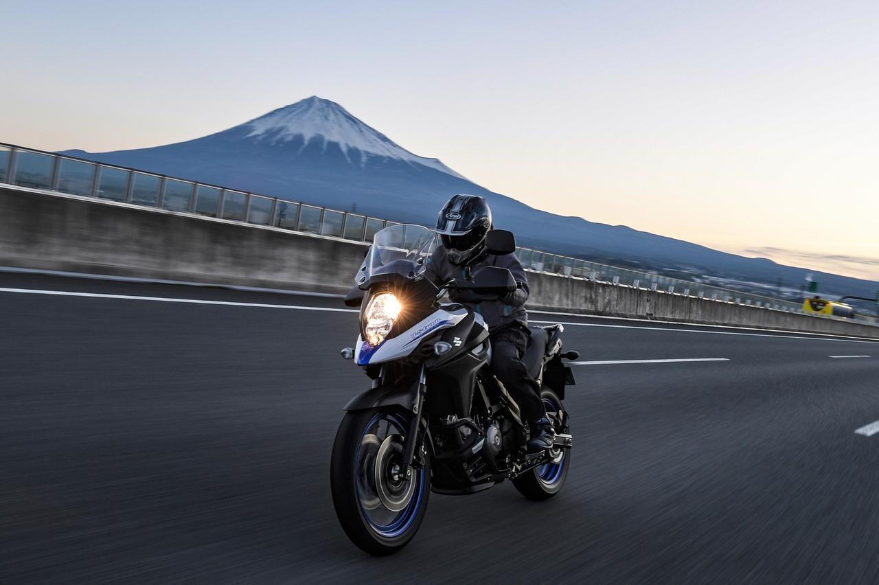 画像: 《高速道路無双》Vストローム650 XTの高速600kmが余裕すぎる!? 200万円レベルの高級車にも負けてない! スズキのバイク!