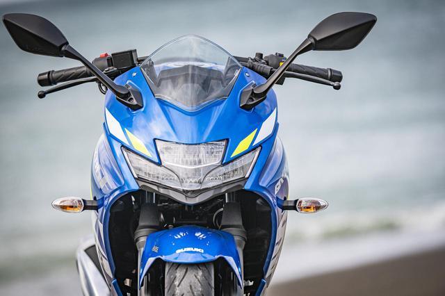 画像: 250ccフルカウルスポーツでいちばん軽い! ジクサーSF250は『軽さ』と『新しい油冷エンジン』ですべてのライダーを全力でサポート! - スズキのバイク!
