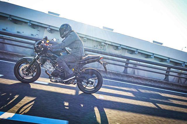 画像1: セパハンのバイクってキツい、と思ってるアナタへ! スズキの『SV650X』が高速道路で疲れない理由って何だと思う? - スズキのバイク!