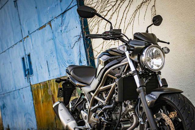 画像: コーナリングに裏の顔。スズキ『SV650』は優しさの奥に大型バイクの鋭さが潜んでる!? - スズキのバイク!