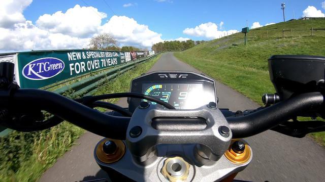 画像: 2021 GSX-S1000 Harewood Hillclimb GoPro Onboard with John Reynolds www.youtube.com