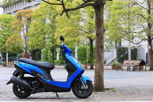 """画像: スクーターの『違いがわかる人』にこそおすすめしたい。このバイクは""""こだわり""""の塊です! - スズキのバイク!"""
