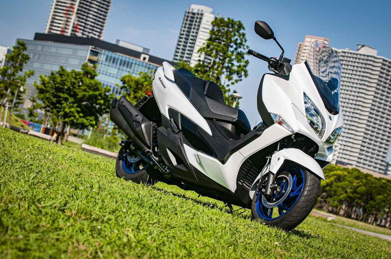 """画像: ビッグなのにコンパクト? 『バーグマン400』は進化した""""400ccスクーターの理想形"""" - スズキのバイク!"""