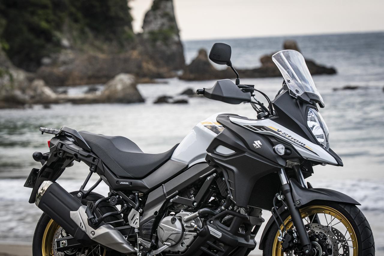 画像: 高速道路上のスズキ『Vストローム650』に対する素直な感想は?→なんか新幹線みたいだと思った【 - スズキのバイク!