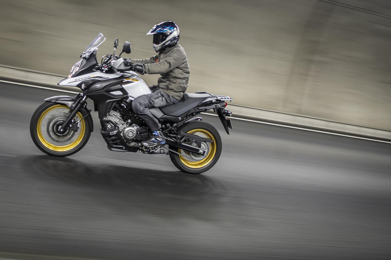 画像1: 高速道路上のスズキ『Vストローム650』に対する素直な感想は?→なんか新幹線みたいだと思った - スズキのバイク!