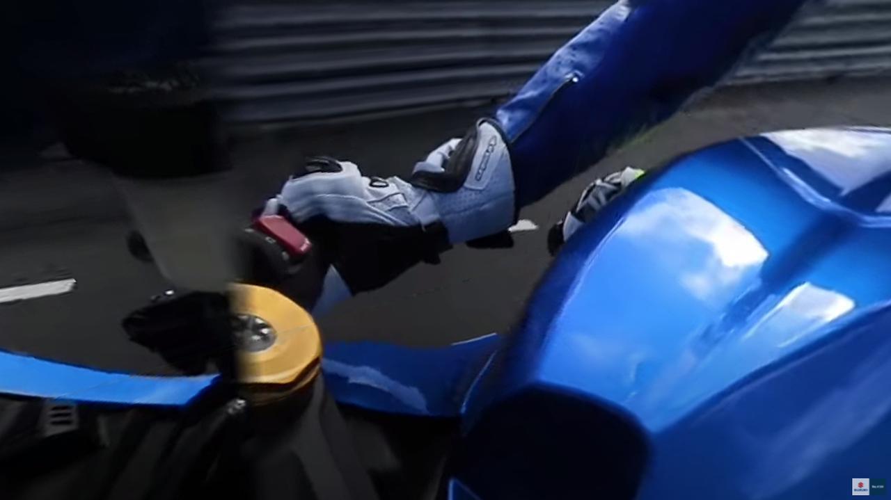 画像1: MotoGPライダー『アレックス・リンス』の走りを疑似体験!? あまりにもレベルが違って笑うしかない……【寝ても覚めてもスズキのバイク!/モトGP チーム・スズキ・エクスター 編】