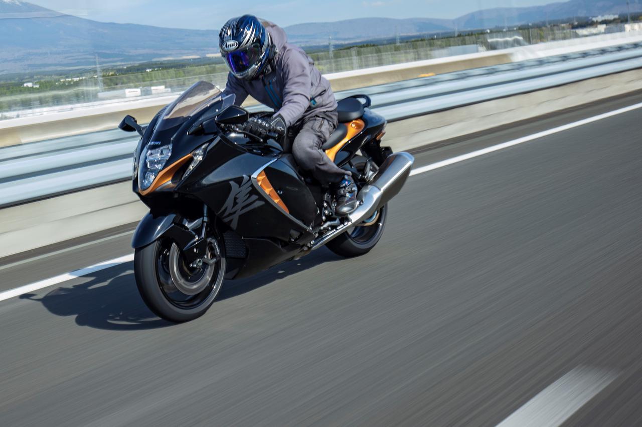 画像: 新型『隼(ハヤブサ)』が速いっ!? 188馬力へパワーダウンしたなんて何かの冗談だとしか思えない…… - スズキのバイク!