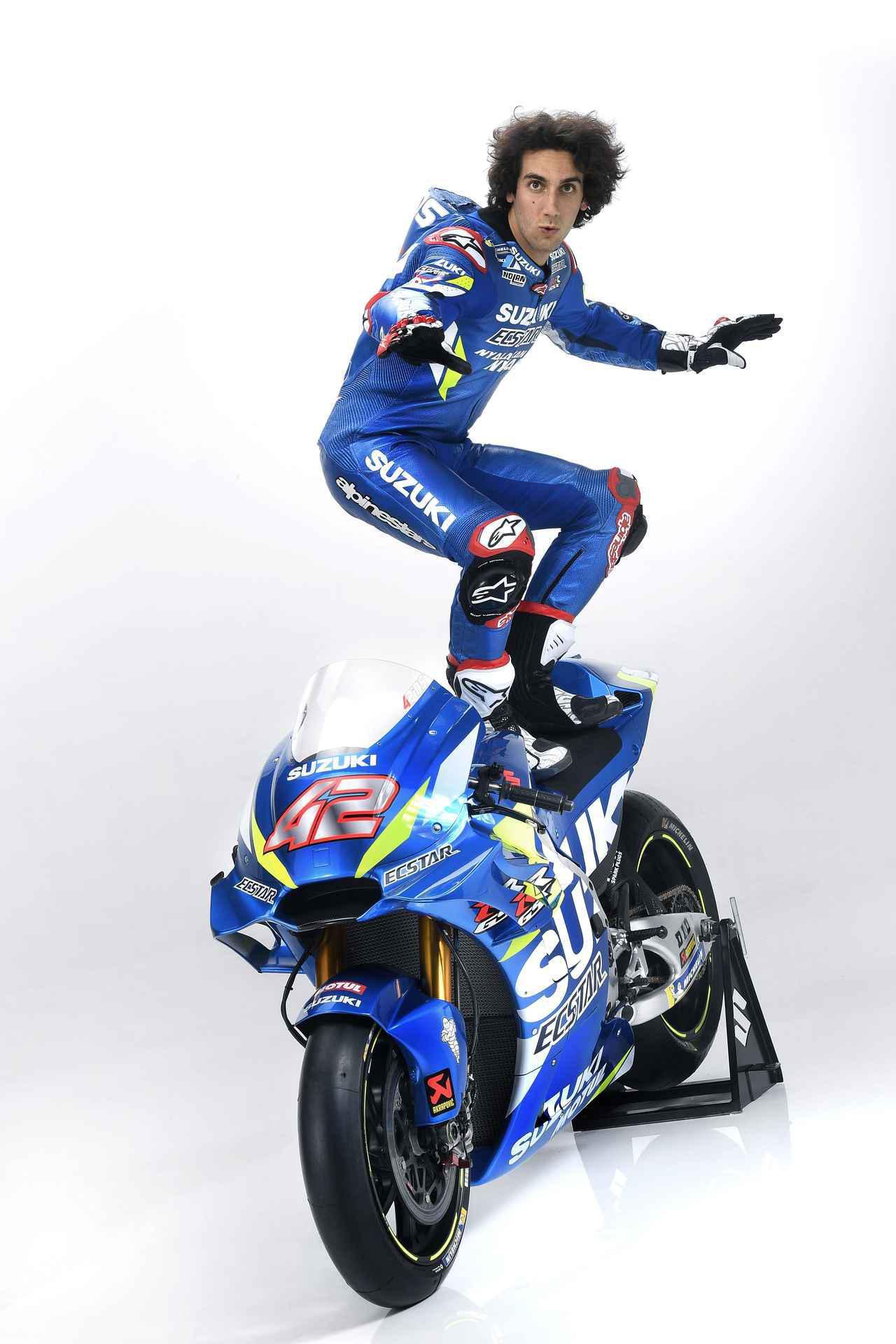 画像: アレックス・リンス復活!? 0.013秒差で逆転勝利を決めた想い出のイギリスGPで2位表彰台獲得! - スズキのバイク!