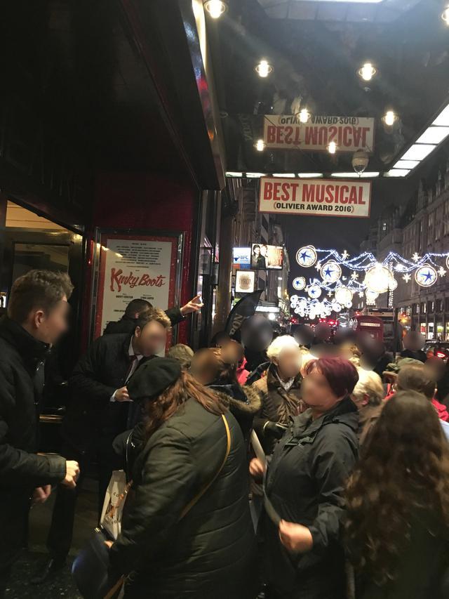 画像2: 英国ロンドンでの『キンキーブーツ』撮影当日の劇場外観 @アデルフィ・シアター(Adelphi Theatre) ⒸShochiku Broadway Cinema