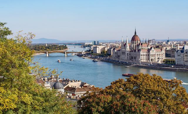 画像: ハンガリーの首都ブダペストの美しい街並み