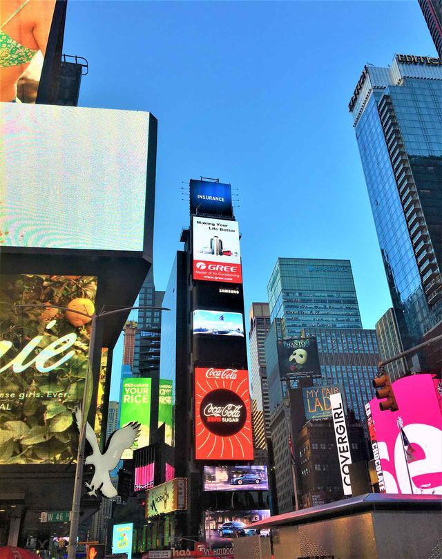 画像: 2019年ニューヨーク・タイムズスクエアの様子 ⒸShochiku Broadway Cinema