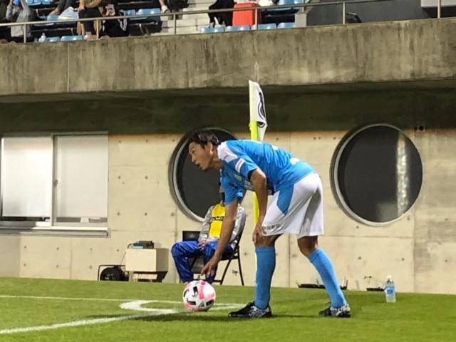 画像: 後半2分、J2ジュビロ磐田の先制点を呼ぶCKを話す前の遠藤保仁
