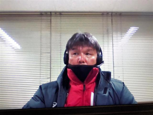 画像: リモート会見で試合を振り返る藤枝明誠の松本安司監督