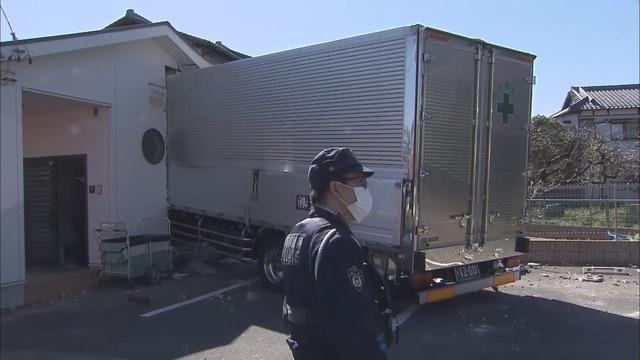 画像: 【速報】保育園にトラックが突っ込む 園児にけがはない模様 静岡市清水区