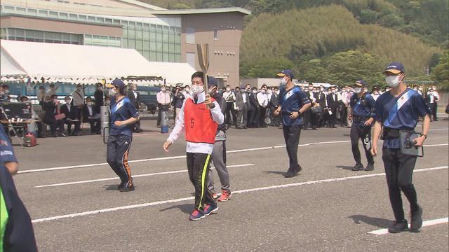 画像: 万全な態勢で6月の本番を 静岡県警が聖火リレーの訓練を初公開 youtu.be