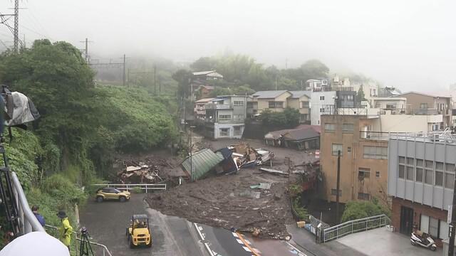 画像: 漂流の女性2人は心肺停止 20人前後が安否不明 100~300世帯が被害か 静岡・熱海市の土石流災害