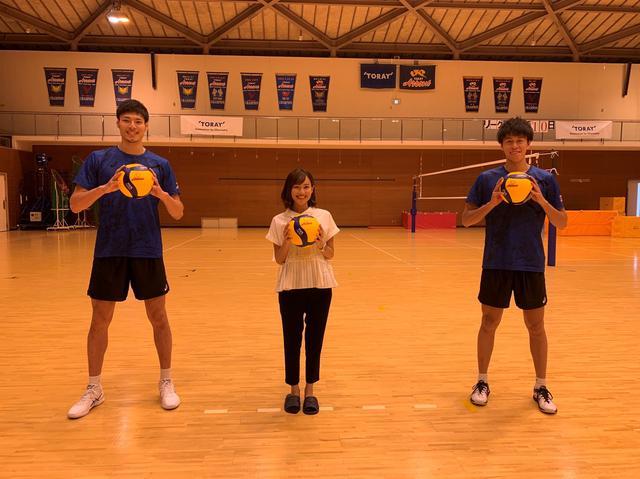 画像: 高橋選手(左)と富田選手(右)