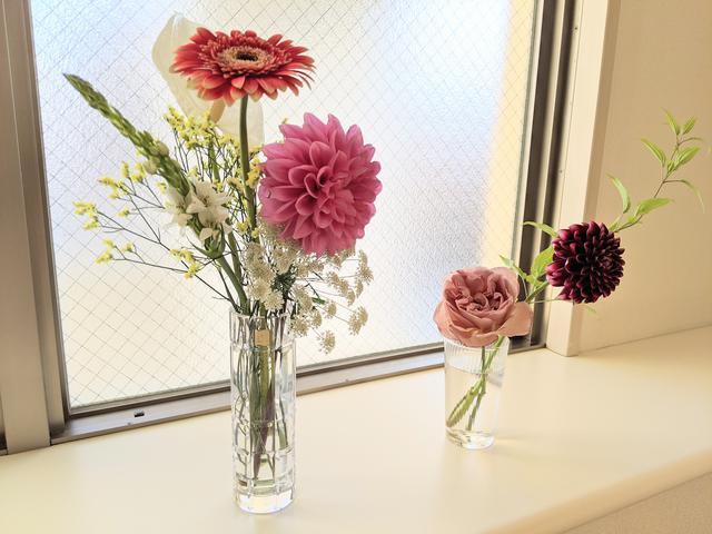 画像: 左が花器1(クリスタル 未だシールを剥がしていない笑) 右はコップ1