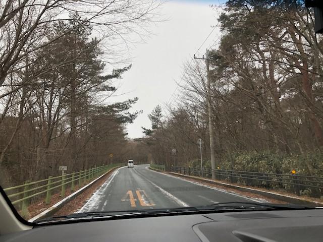 画像: (少し上ると道は約6km、凍結していました。)