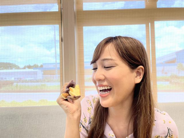 画像: スフレ状のパンケーキ~!(歯間にもあんこ( ^ω^)) 焼きたてきんつばの見た目も、店内外の遊び心も好き。
