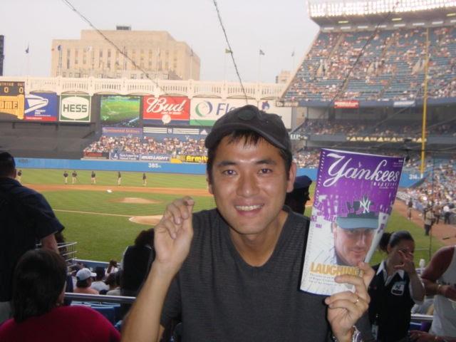 画像: 2001年ヤンキースタジアムにて。3泊5日の旅で3連戦を観戦するという「野球観戦旅行」でした笑
