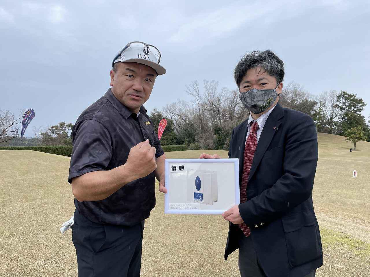 画像: オープン、シニア(50+) カテゴリー ダブル優勝の酉川選手