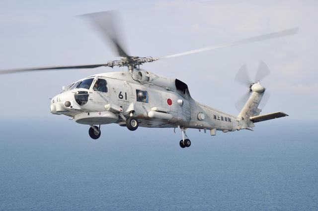 画像: テストパイロット教育には、SH-60K哨戒ヘリコプターなど、陸・海・空各自衛隊の航空機が使用される