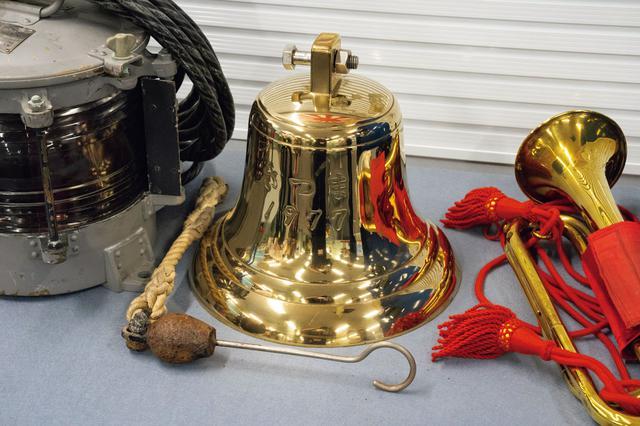 画像1: 旧軍艦艇の号鐘は高額で取り引きされるので欲しがる人は多いのでは
