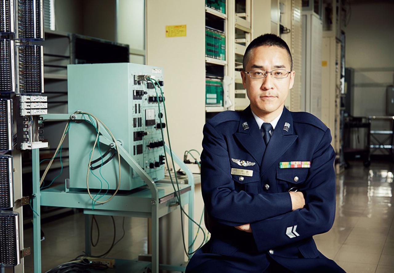 画像: 2005年入隊。第7航空団基地業務群通信整備小隊無線整備班を経て2015年より現職
