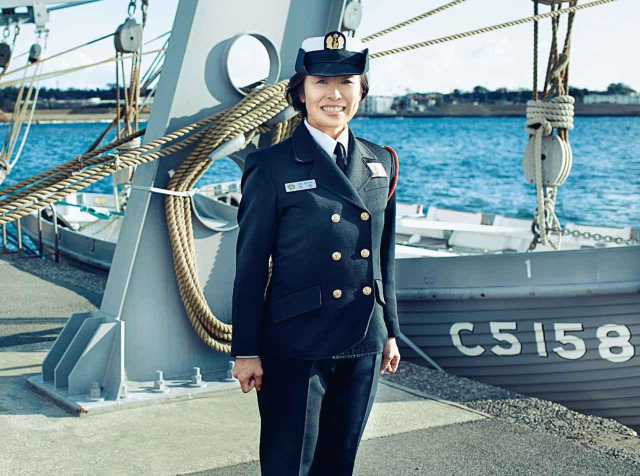 画像: 1992年入隊。誘導武器教育訓練隊、艦艇開発隊、作戦情報支援隊での整備業務などを経て2020年より現職