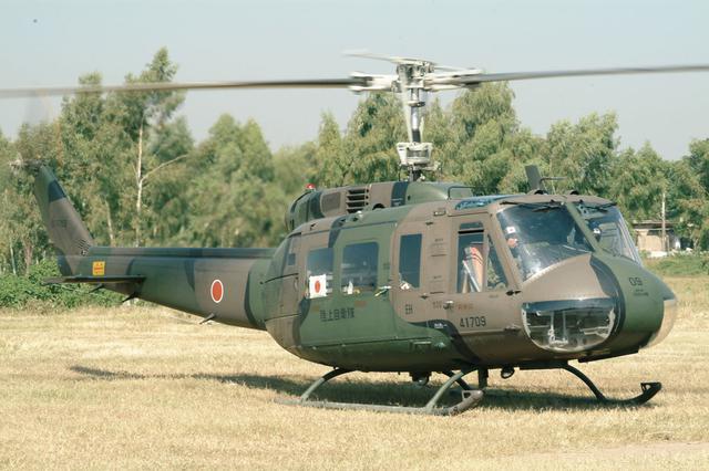 画像: UH-1H多用途ヘリコプター