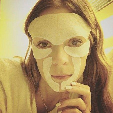 映画『シン・シティ 復讐の女神』のジェイミー・キングは、シートマスクでマスキング。