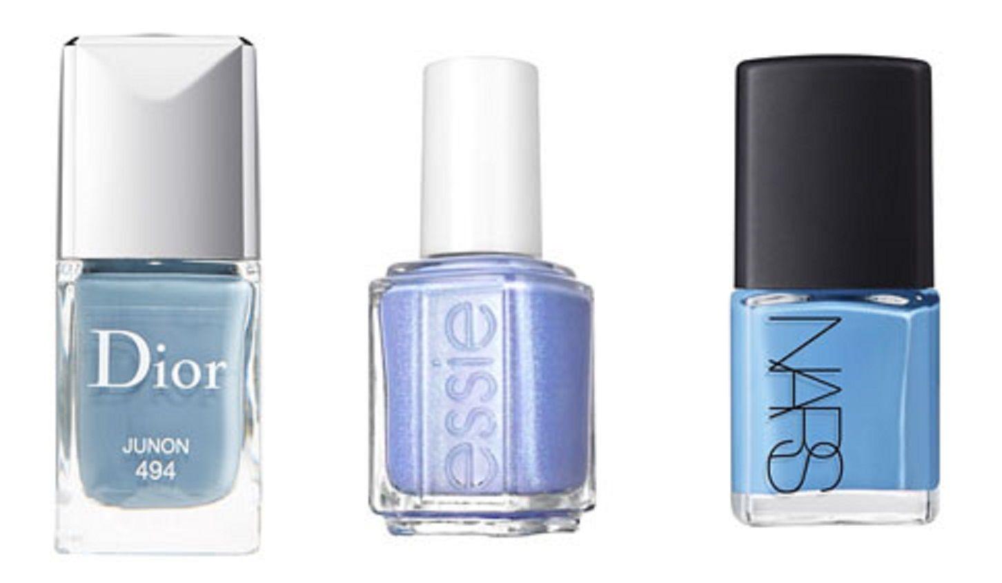 人気コスメブランドのネイルポリッシュ・コレクションにも続々セレニティ・ブルーが追加に。左から:Dior, Essie, NARS