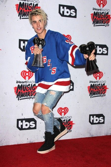 Justin Bieber at the 2016 iHeart Radio Music Awards Press Room