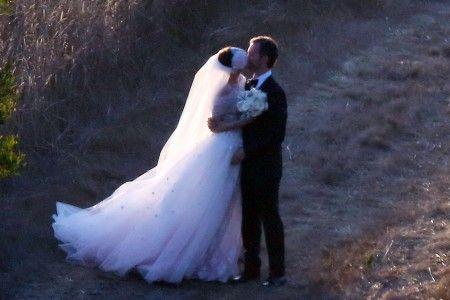 アン・ハサウェイは2012年にビッグ・サーで結婚。