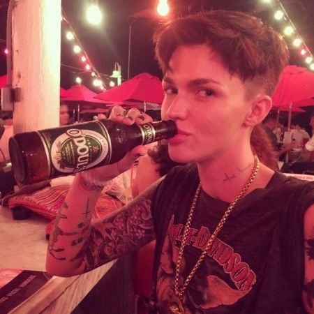 ちょっと息抜きをしたいときにもアルコールフリーのビールを選ぶほど、徹底して禁酒しているルビー。写真に写っているのは海外で人気のノンアルコールビール。