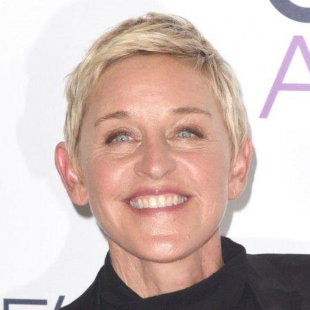 2008年にドラマ『スキャンダル』の女優ポーシャ・デ・ロッシと結婚した。