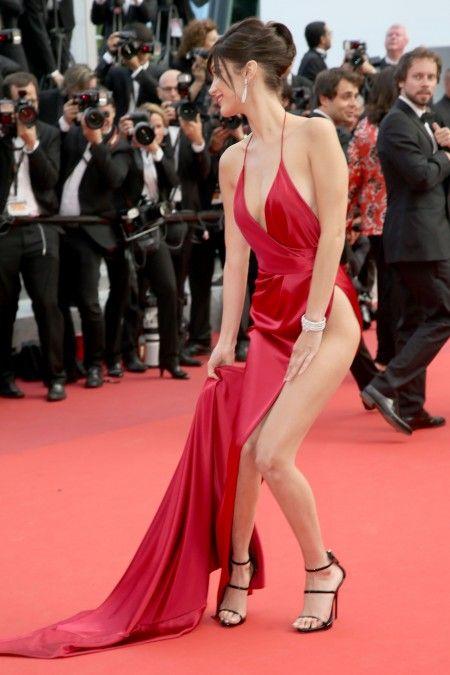 bella hadid in red carpet