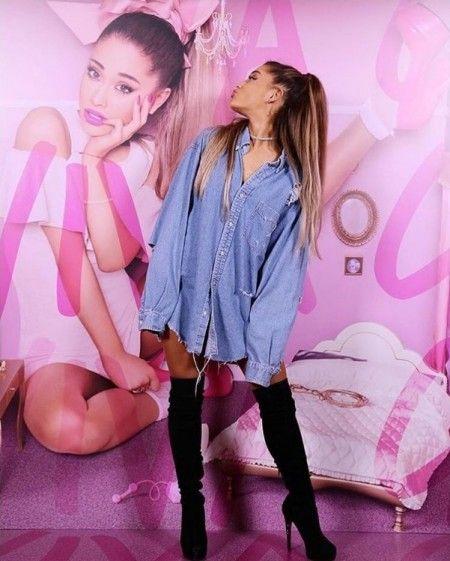 東京で開催されたプレスイベントに登場したアリアナ。「9月のリリースを私もすごく楽しみにしてるわ! 」と興奮気味にコメント。 Ⓒ Ariana Grande