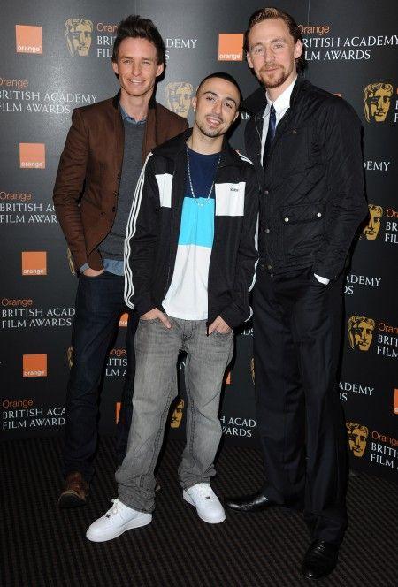 2012年にエディ(左)と共に英国映画テレビ芸術アカデミーの新人賞にノミネートされて。